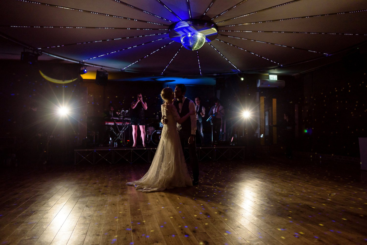 first dance at elmore court wedding
