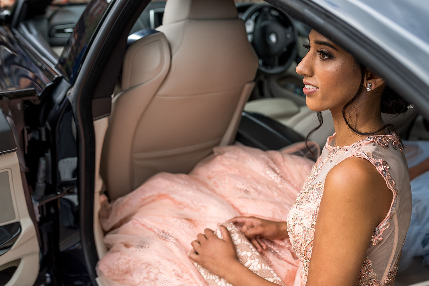 bride in car at winchester guildhall