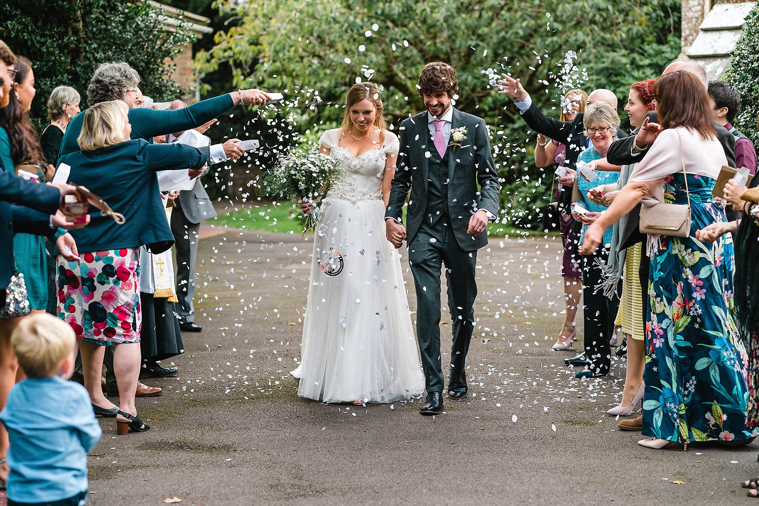 confetti at new forest wedding