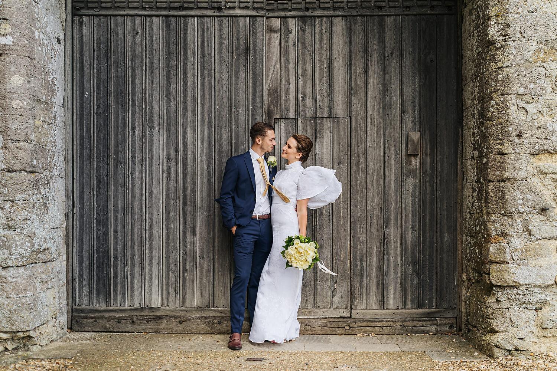 bride and groom in beaulieu
