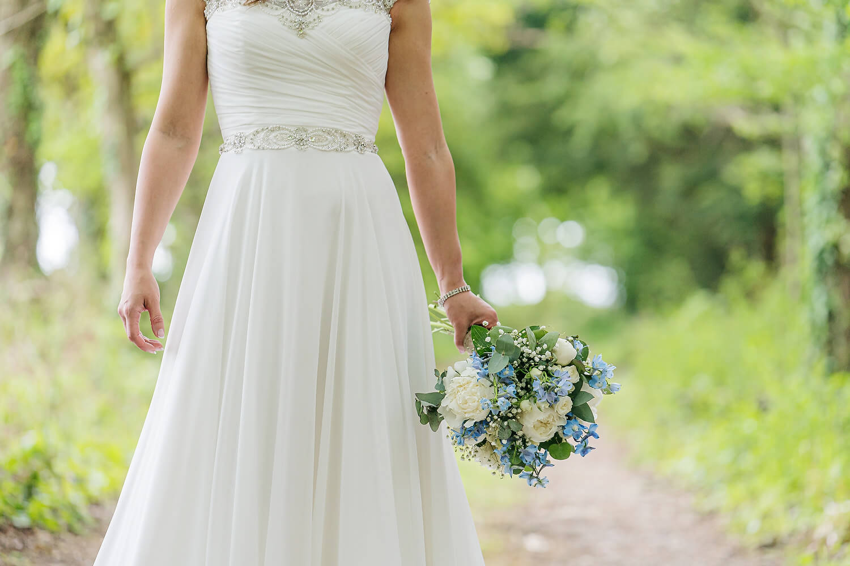 brides bouquet at tournerbury woods estate