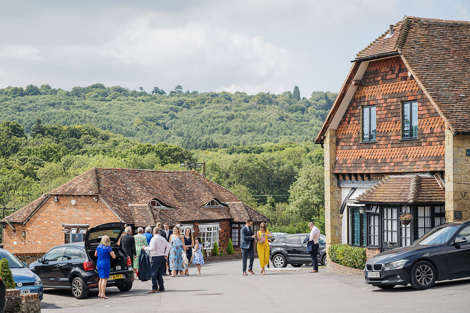 wedding guests arriving at lythe hill hotel