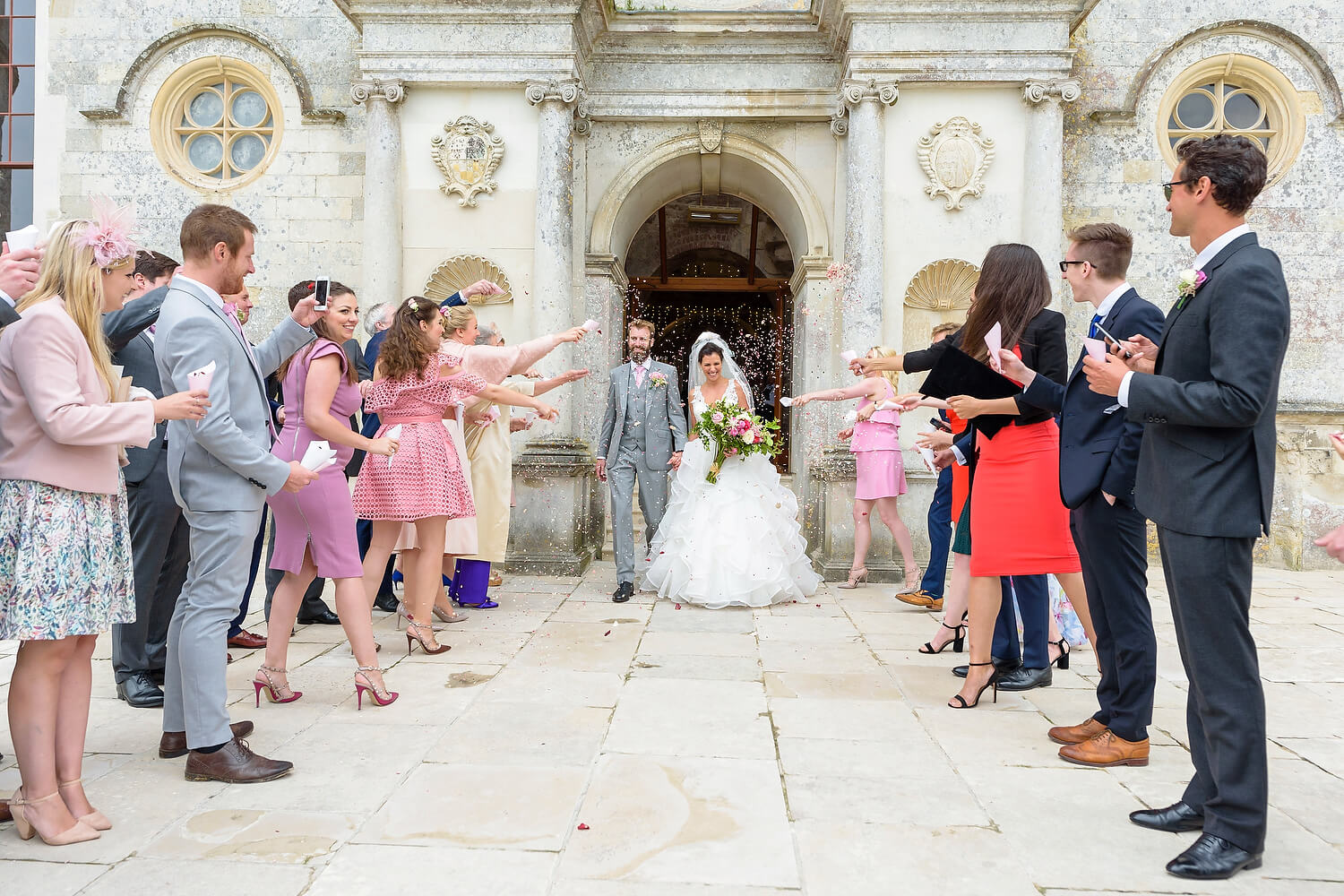 confetti at lulworth castle wedding