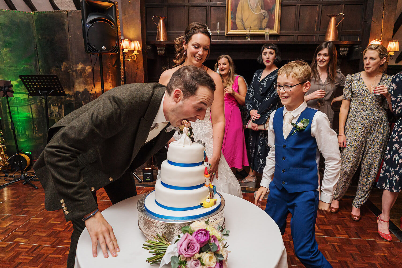 wedding cake at surrey wedding