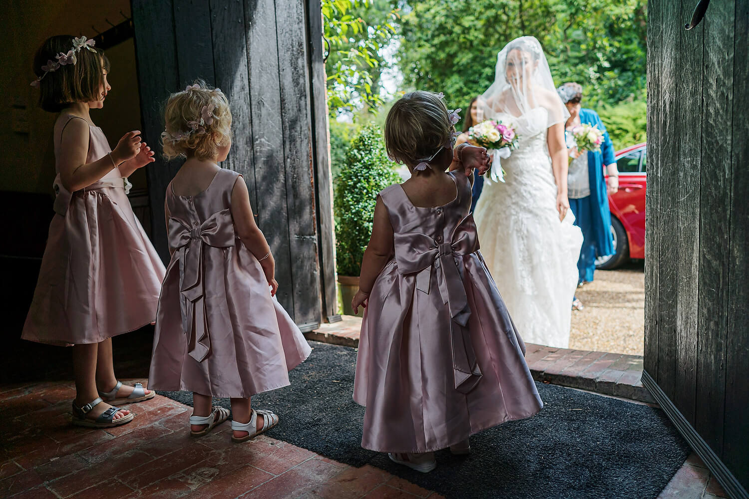 bridesmaids waiting for bride at ramster hall